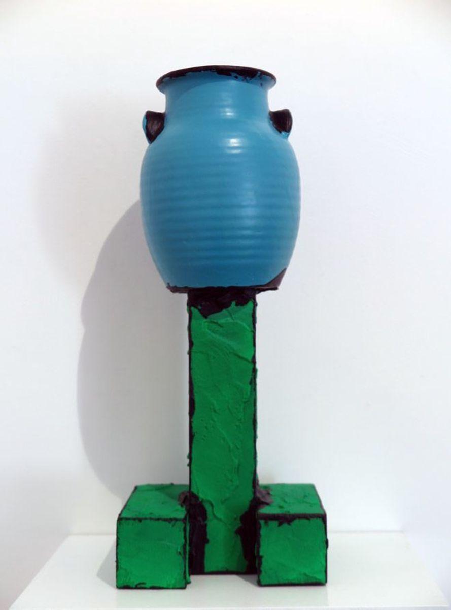 Raised vase